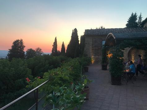 Solnedgång över borgon