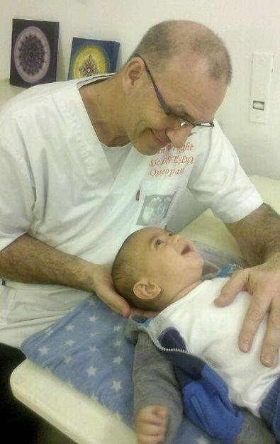 איאן רייט אוסטאופט ירושלים Ian Wright Osteopath Jerusalem