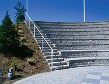 Montessori_amphitheater.png