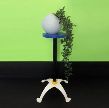Jonathan Christian - Vase sur socle
