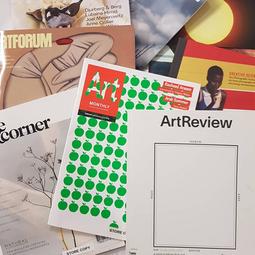 Espace d'expériences GreatArt Londres - magazines à disposition