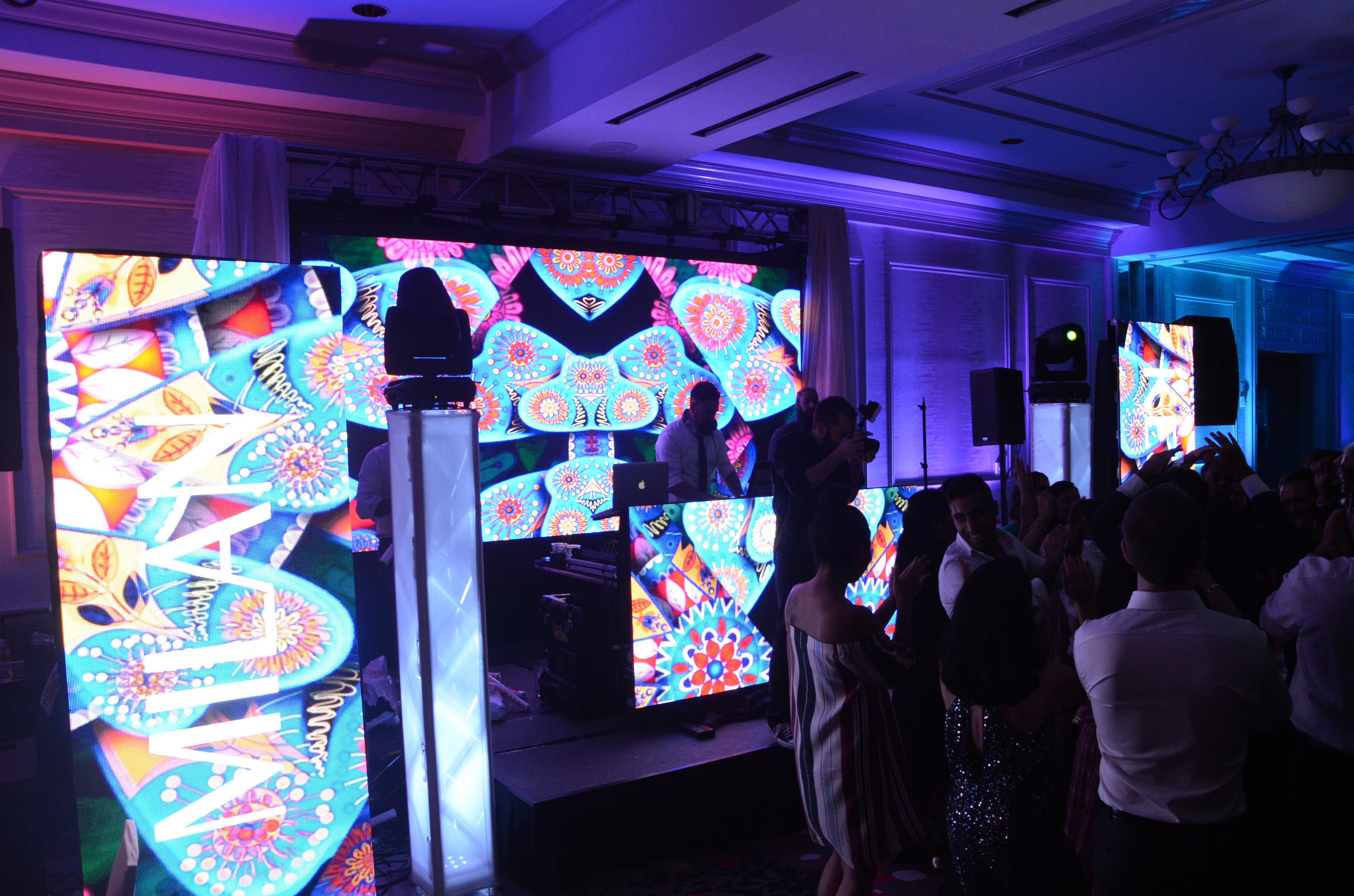 Multi screen LED Display