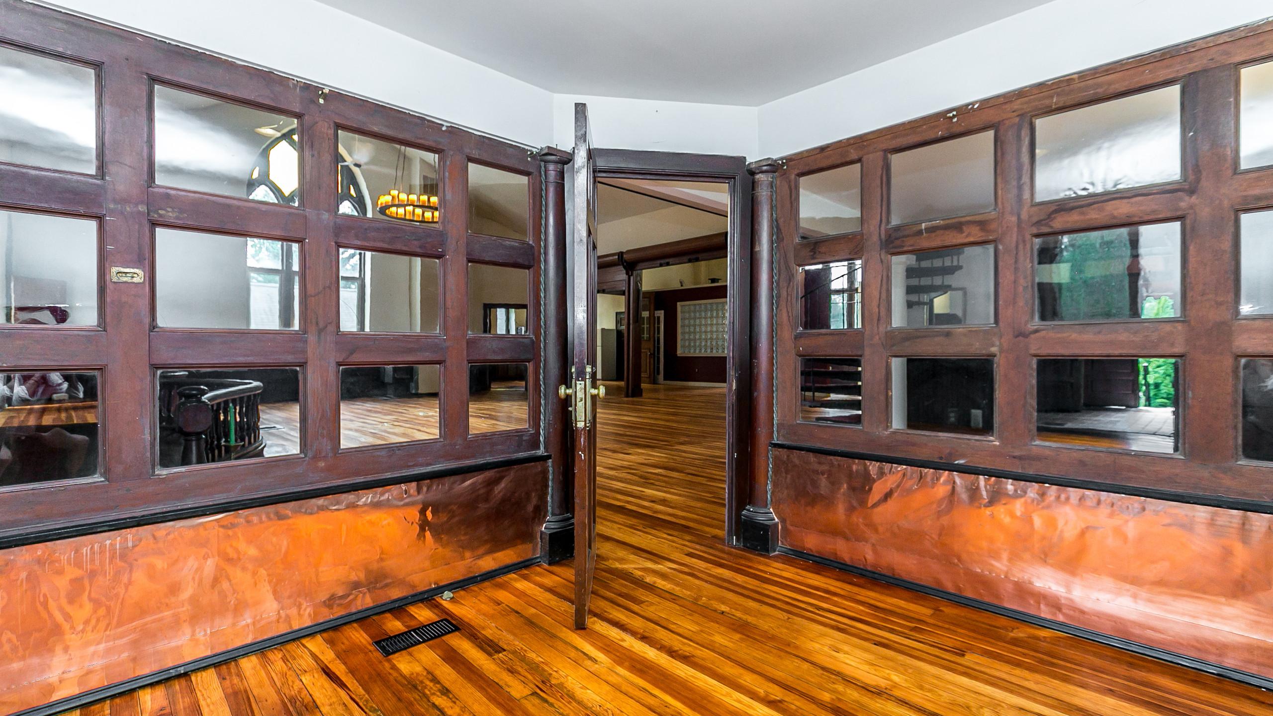 A nice first floor cubby office