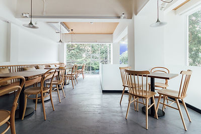 Minimal-bread-cafe-decorating-with-white