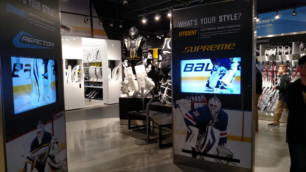 Bauer Own The Moment - Built in Displays