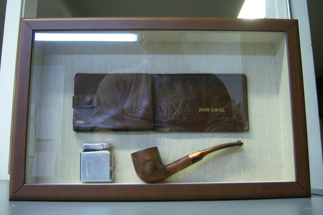 Wallet & Pipe