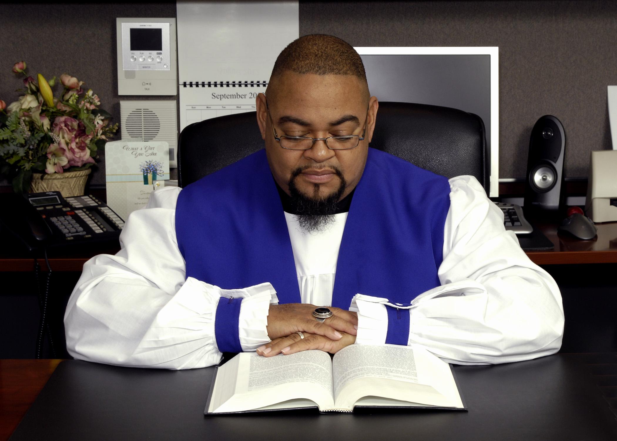 Pastor Portrait 2012 040