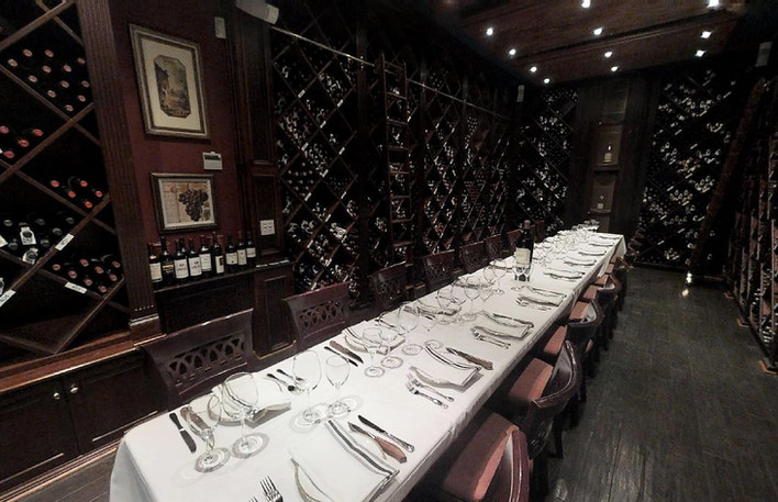 Flames-Bar-And-Grill-In-Briarcliff Wine