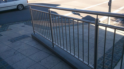 Handrail with Balustrades