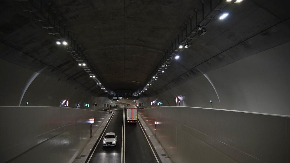 Tunnelbeleuchtung von AEC