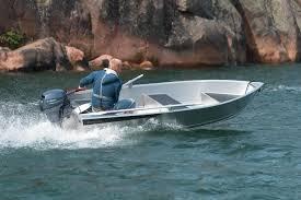 Buster Mini : Liten og lett aluminiumsbåt som alle kan manøvrere, enten ved å ro, eller med en elektrisk eller firetakts påhengsmotor. Veier kun 100 kil, tåler vær og vind året rundt. Kontakt oss for pris.
