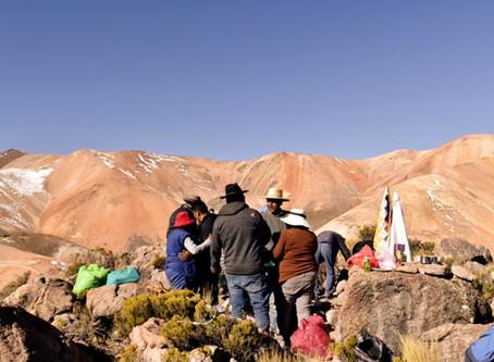"""Comunidades aymaras paralizan sondajes mineros en el """"Cerro Marquez"""" ante la Corte Suprema."""