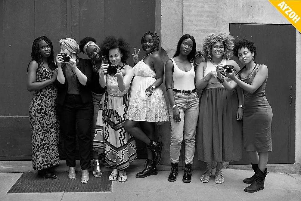 un gruppo di ragazze afro-discendenti in posa