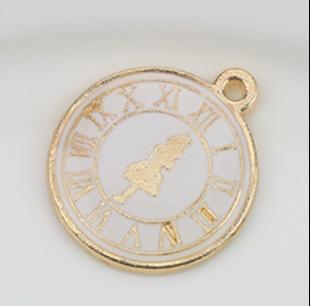 Alice Clock | 20 x 23 (L)