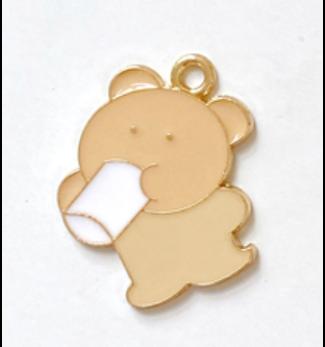 Milk Bear   28 x 24 mm (L)