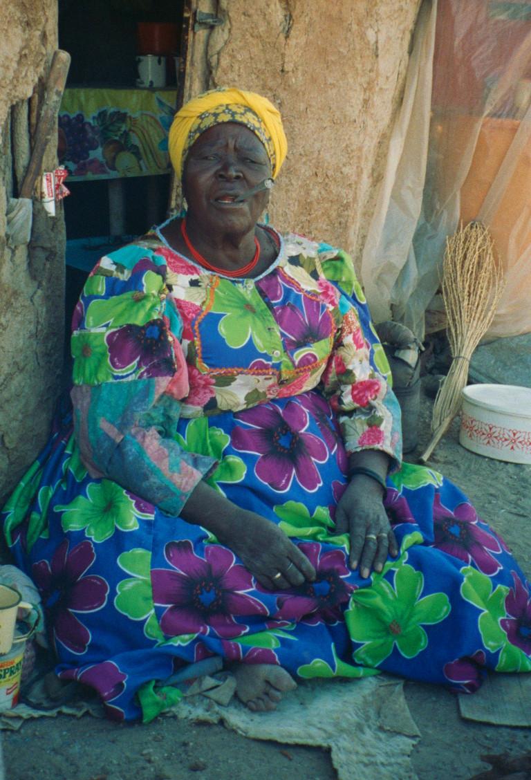 Philippine |Hairo ||Nowaxas in Sesfontein / !Nani|aus (photo: Sian Sullivan, 150499)