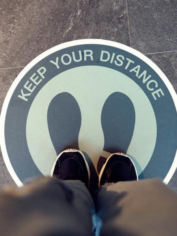 social-distancing-inscription-floor-supe