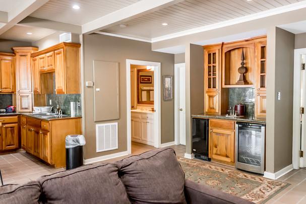 Suite 44-kitchen-1.jpg