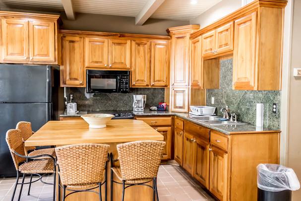 Suite 44-kitchen-2.jpg