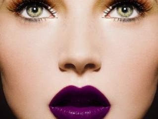 Fiiiiiiinally. A lip-liner that WILL. NOT. MOVE.