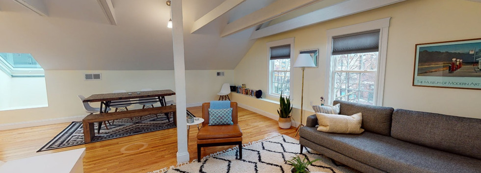 Explore the *furnished* 3D Tour