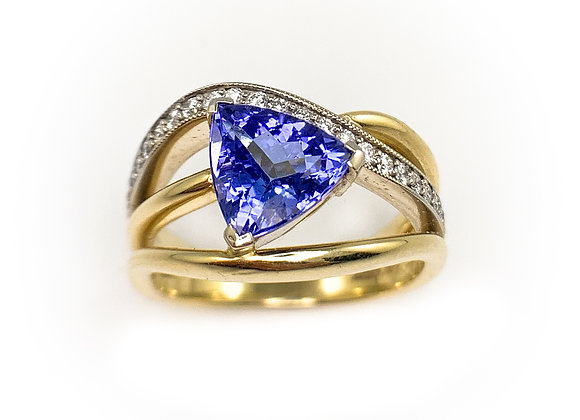 14k 1.74ct tanzanite and diamond ring
