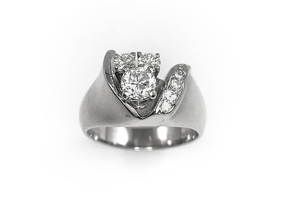 14k 0.33ctw diamond ring