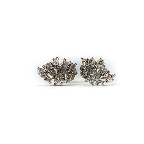 10k .05ctw Canadian diamond earrings