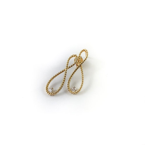 10k 0.15ctw diamond earrings