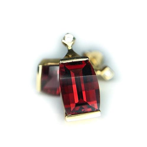 14k garnet and diamond earring