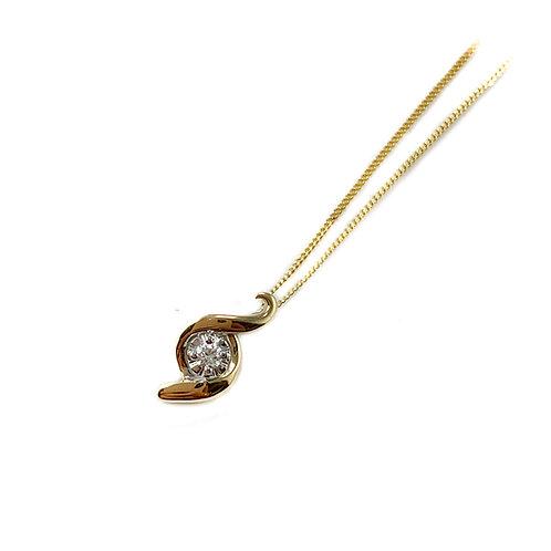 10k Canadian diamond pendant