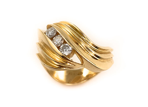 14k 0.26ctw diamond ring