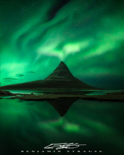 Kirkjufell Auroras (4x5).jpg