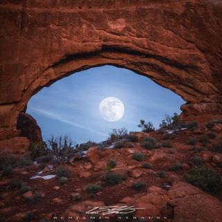 Moon Eye Arches (1x1).jpg