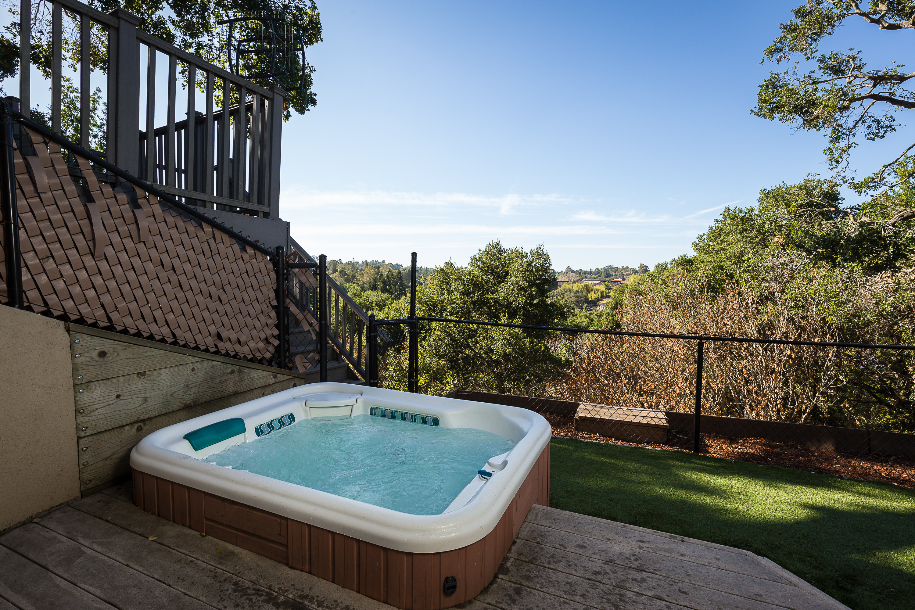 Jacuzzi overlooking expansive view