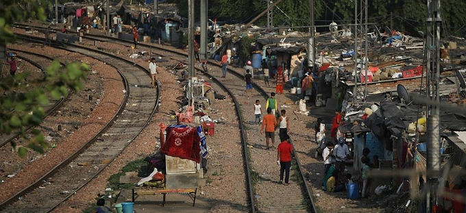 UN EXPERT RAISES ALARM OVER MASS EVICTIONS OF DELHI RAILWAY TRACK DWELLERS
