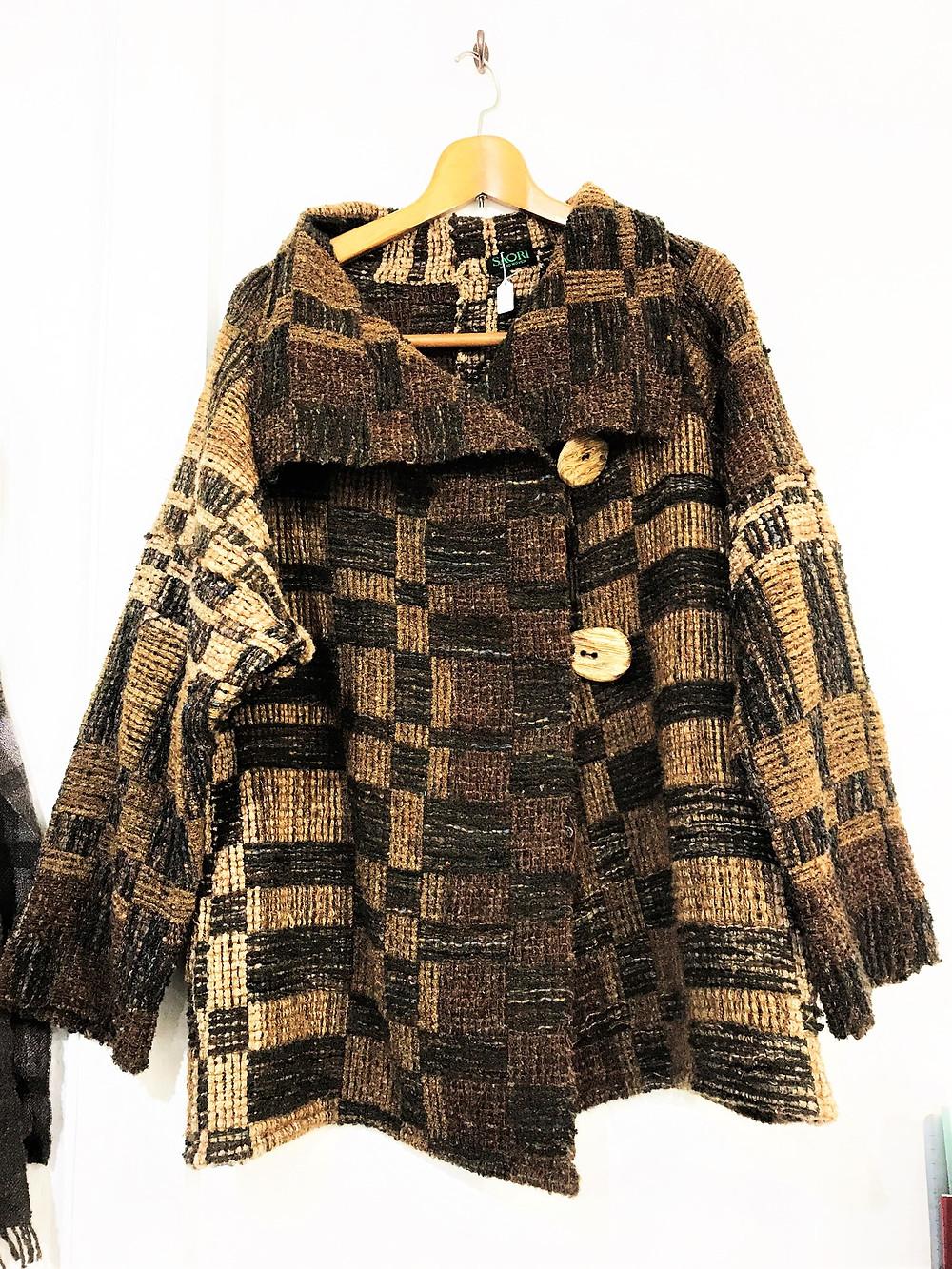 手織りコート