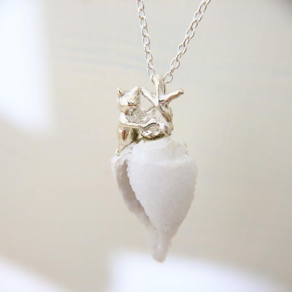 水晶貝と猫とヒトデ ネックレス
