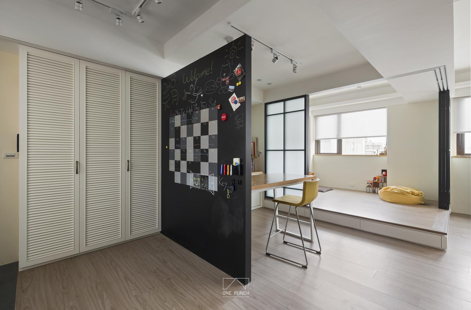 鞋櫃/黑板牆