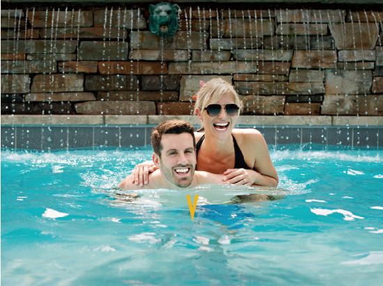 Vintage Hotels - Summer Lovin' Getaway