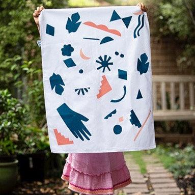 'REINA/QUEEN' - Hand Painted Linen