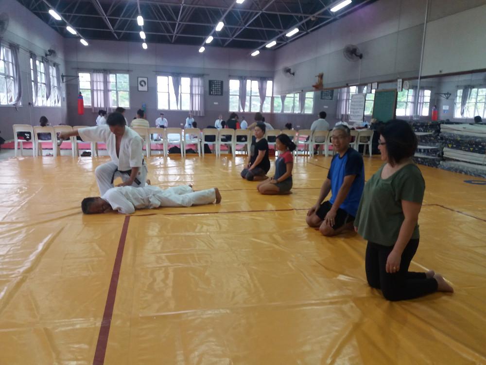 Primeiras aulas de aikidô
