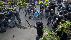 """Независимая газета: """"ЕСПЧ запрещает бить мирных демонстрантов в России"""""""
