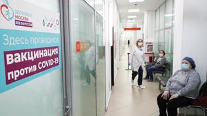 """Свободная Пресса: """"Обязательная вакцинация от Медведева раскалывает власть"""""""