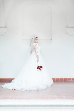 Plus Size bride red bouquet veil Arkansas Wedding Photographer Hot Springs