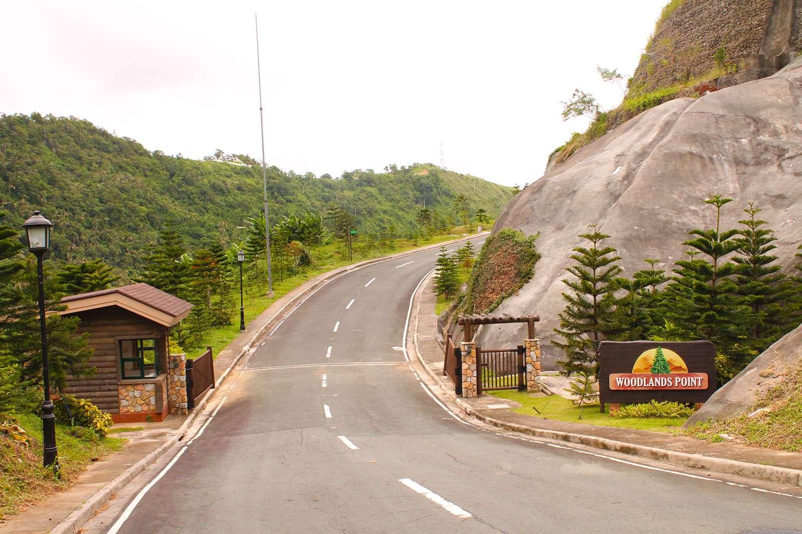 Woodlands Point Entrance