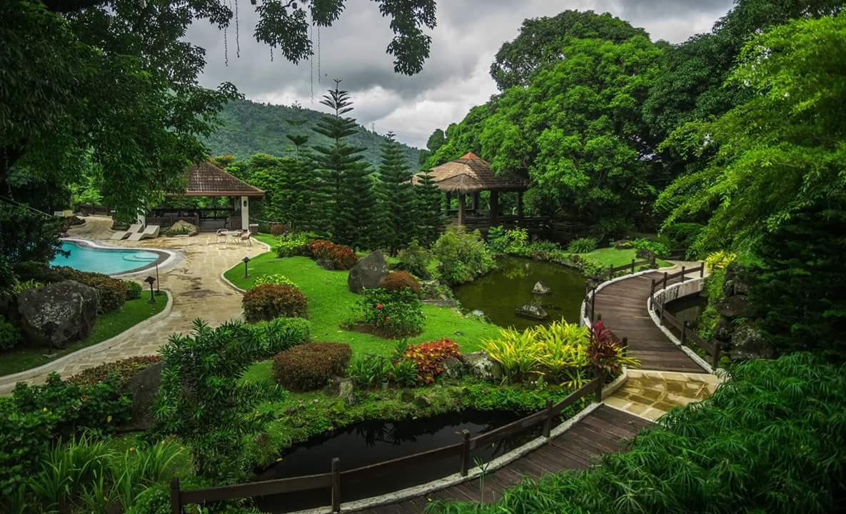 Country Club Garden