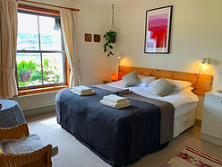 guest room 6.jpg