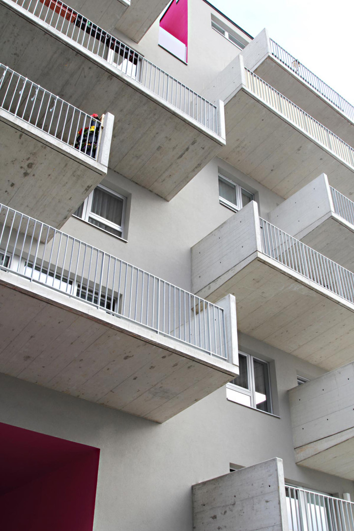 wohnenmitscharf_21_Balkone.jpg