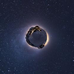 Kleiner Planet mit Hörli Hitta
